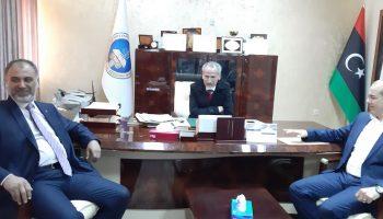 رئيس الجامعة يلتقي بعميد بلدية الجميل وبعض السادة المسؤلين  بكل من الجميل والمنشية