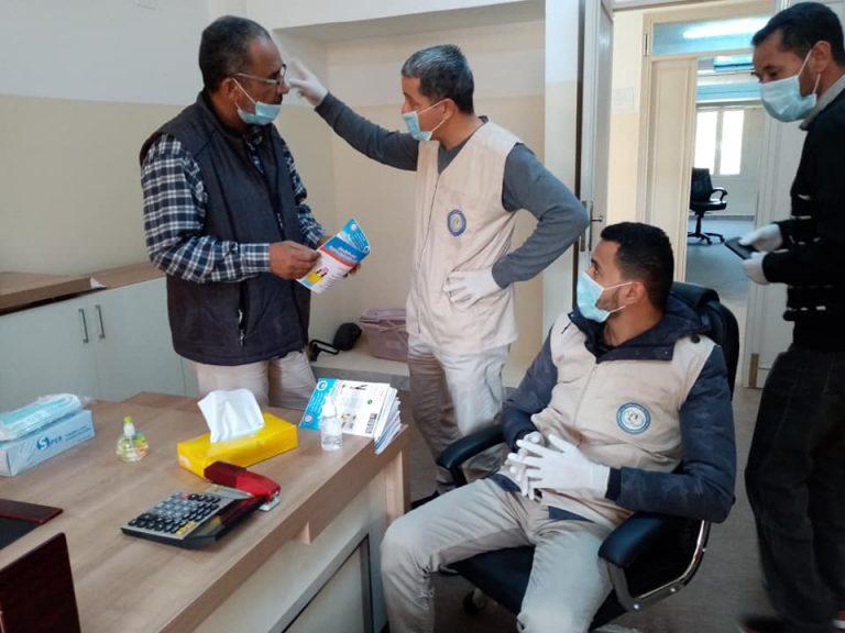جامعة صبراتة تقوم بحملة توعية بمخاطر وطرق الوقاية من فيروس كورونا المستجد في اطار دورها في خدمة المجتمع01
