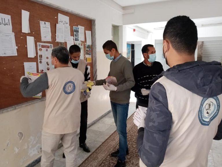 جامعة صبراتة تقوم بحملة توعية بمخاطر وطرق الوقاية من فيروس كورونا المستجد في اطار دورها في خدمة المجتمع02