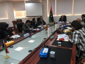 وزير التعليم يستعرض جهود لجنة الأزمة في تنفيذ خطة الاستجابة لمجابهة فيروس كورونا