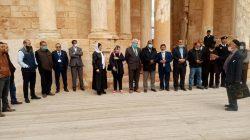 الوفود المشاركة بمشروع حوكمة الدراسات العليا تزور المدينة الاثرية بصبراتة