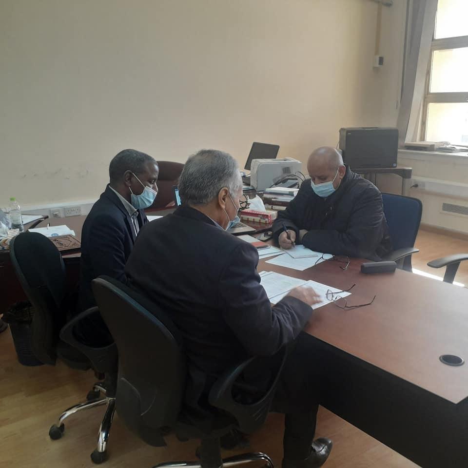 اجتماع بمركز البحوث والاستشارات جامعة طرابلس