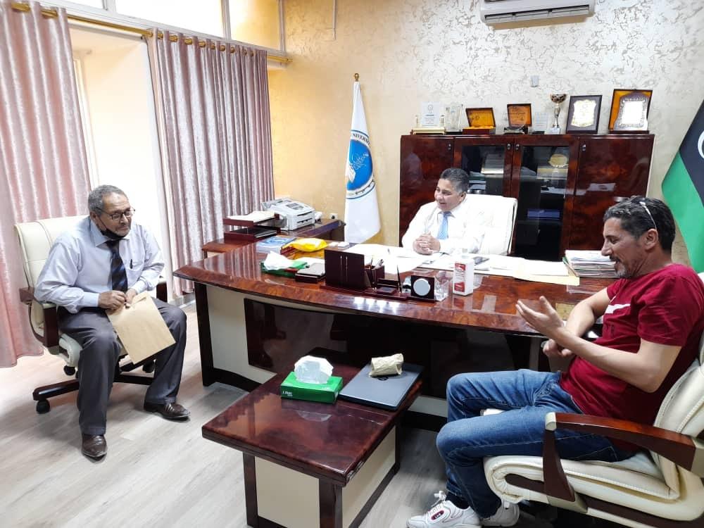 لقاء عمل بين رئيس جامعة صبراته ورئيس جامعة الزاوية
