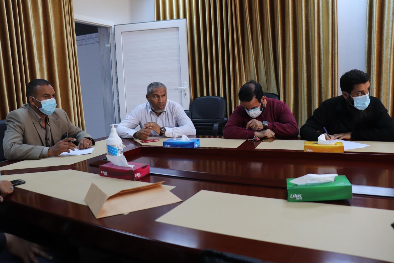 اجتماع مسجل عام الجامعة بعمداء الكليات الطبية بجامعة صبراته