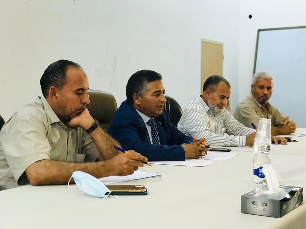 اجتماع رئيس جامعة صبراته بعمداء الكليات داخل نطاق بلدية صرمان