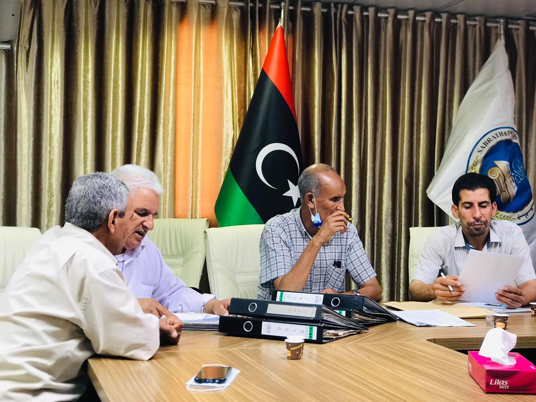 الاجتماع الثامن للجنة شؤون الموظفين بجامعة صبراته
